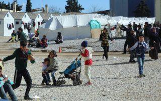 migrants-lack-legal-aid-report-says