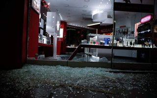 stores-vehicles-damaged-in-athens-thessaloniki-during-the-night