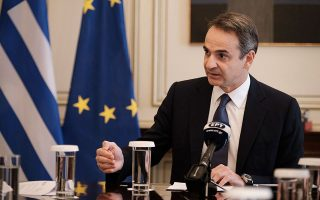 poll-mitsotakis-is-most-popular-political-leader-majority-do-not-want-snap-elections0
