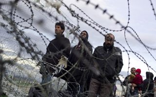 greece-scrambles-to-implement-migration-deal0