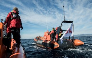 msf-greenpeace-launch-migrant-rescue-operation-off-greece