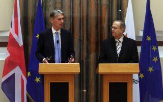 britain-offers-cyprus-land-in-event-of-peace-deal