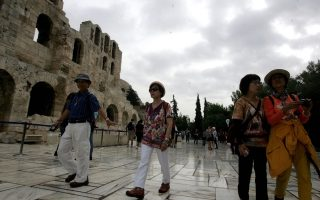 fashion-show-outside-ancient-theater-canceled