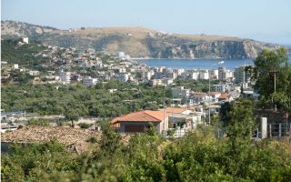 ethnic-greeks-plan-rally-in-himara-against-house-demolitions