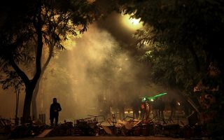 clashes-between-police-rioters-in-central-athens