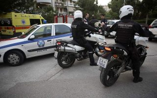 police-end-hours-long-hostage-standoff-in-southern-athens