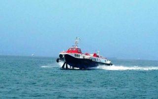 hydrofoil-returning-to-piraeus-due-to-technical-failure