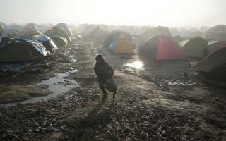 children-exposed-to-raw-sewage-noxious-fumes-at-greek-border-camp