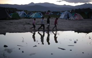 migrant-centers-in-turmoil-amid-fears-for-minors