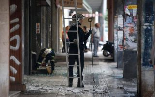 militant-anarchists-claim-late-night-athens-bomb-blast