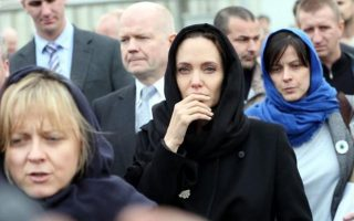 angelina-jolie-to-visit-lesvos-on-wednesday