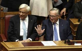 on-athens-visit-juncker-appears-upbeat-about-greek-recovery