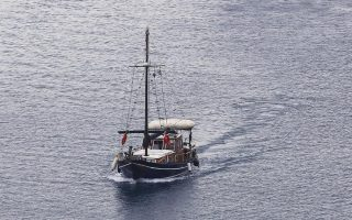naxos-fishing-boats-to-supply-nearby-islands-as-pno-strike-continues
