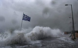 tanker-adrift-in-rough-seas-off-alonissos-after-engine-failure