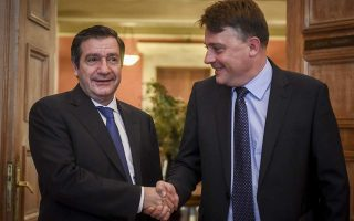 athens-mayor-welcomes-skopje-counterpart-for-talks