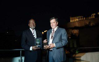former-president-of-mozambique-receives-athens-democracy-award