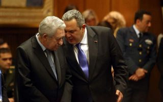 kouvelis-strikes-different-stance-to-kammenos-on-greek-soldiers