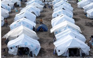 conditions-at-migrant-camps-in-lesvos-and-kos-under-scrutiny