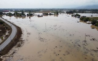 residents-trapped-in-flood-hit-karditsa-to-be-airlifted-to-safety
