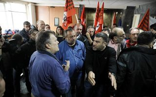 municipal-workers-protesting-worksite-deaths-force-way-into-ministry