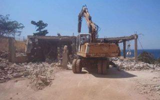 demolitions-of-illegal-constructions-in-attica-begin