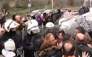 tensions-at-greek-albanian-border-as-mourners-try-to-reach-katsifas-service