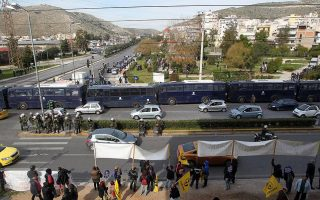 tension-over-refugee-hotspot-at-schisto