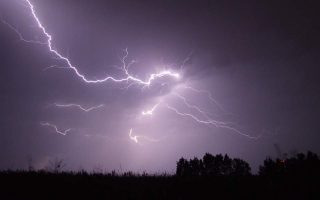 when-lightning-strikes-103-000-times