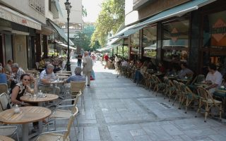 athens-launches-crackdown-on-businesses-using-public-areas-for-free