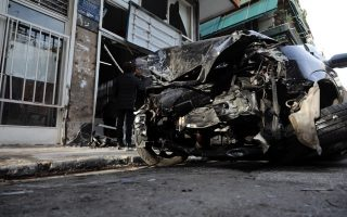 driver-crashes-three-cars-smashes-through-dry-cleaners-at-kolonos