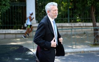 rift-deepens-between-syriza-prominent-party-member-after-criticism-of-party-processes