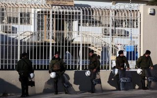 number-of-inmates-at-greek-prisons-down-2-000