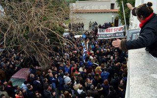 greek-islanders-march-against-migrant-facility