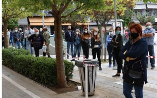kozani-goes-under-lockdown-as-infections-hit-new-record