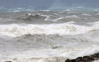greece-braces-for-cyclone-as-it-approaches-western-regions