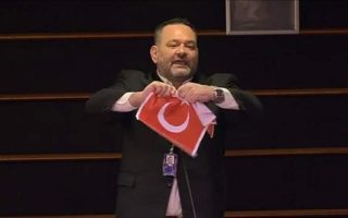 neo-nazi-mep-penalized-for-tearing-up-turkish-flag