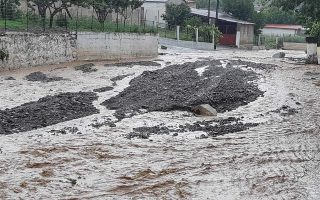 heavy-rain-leads-to-flash-flooding-in-central-greece