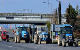 farmers-boost-road-protests
