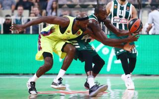 greeks-beat-barcelona-and-bayern-in-basketball