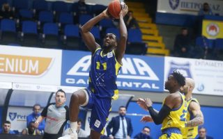 lavrio-upsets-leader-peristeri-in-basket-league
