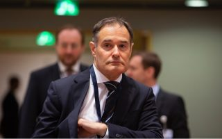 eu-border-chief-urged-to-quit-over-migrant-pushback-claims