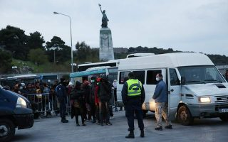 seven-residents-to-face-prosecutor-over-attack-on-ngo-workers-on-lesvos