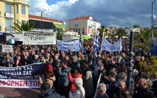 tensions-peak-on-islands-as-migrants-riot-locals-protest