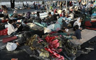 team-flies-from-athens-to-lesvos-to-arrange-shelter-for-displaced-migrants
