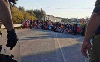 asylum-seekers-block-lesvos-road-demand-heating-and-electricity