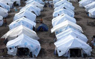 contamination-tests-show-no-threat-to-lesvos-migrants-says-minister
