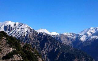 effort-under-way-to-rescue-norwegian-hiker-on-crete-mountain