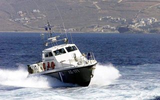 tanker-runs-aground-off-andros-no-reports-of-injuries-spillages