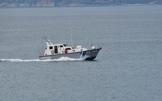 coast-guard-stops-migrant-sailboat-south-of-crete