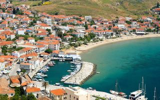 ferryboat-quarantined-off-limnos-over-suspected-coronavirus-infection